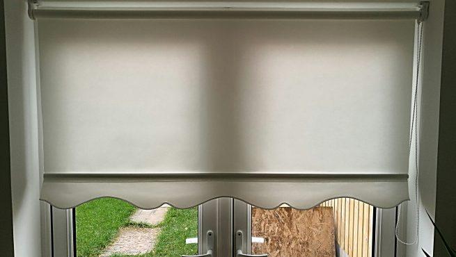 Shaped finish blinds